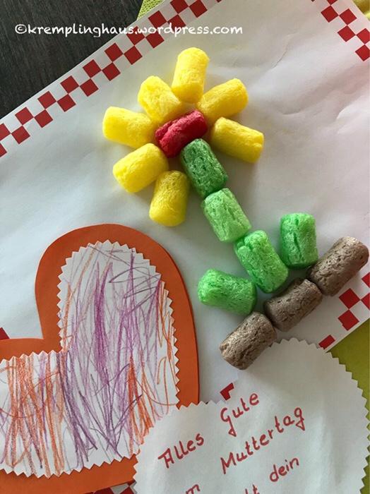 Eine Blumen gebastelt aus Playmais