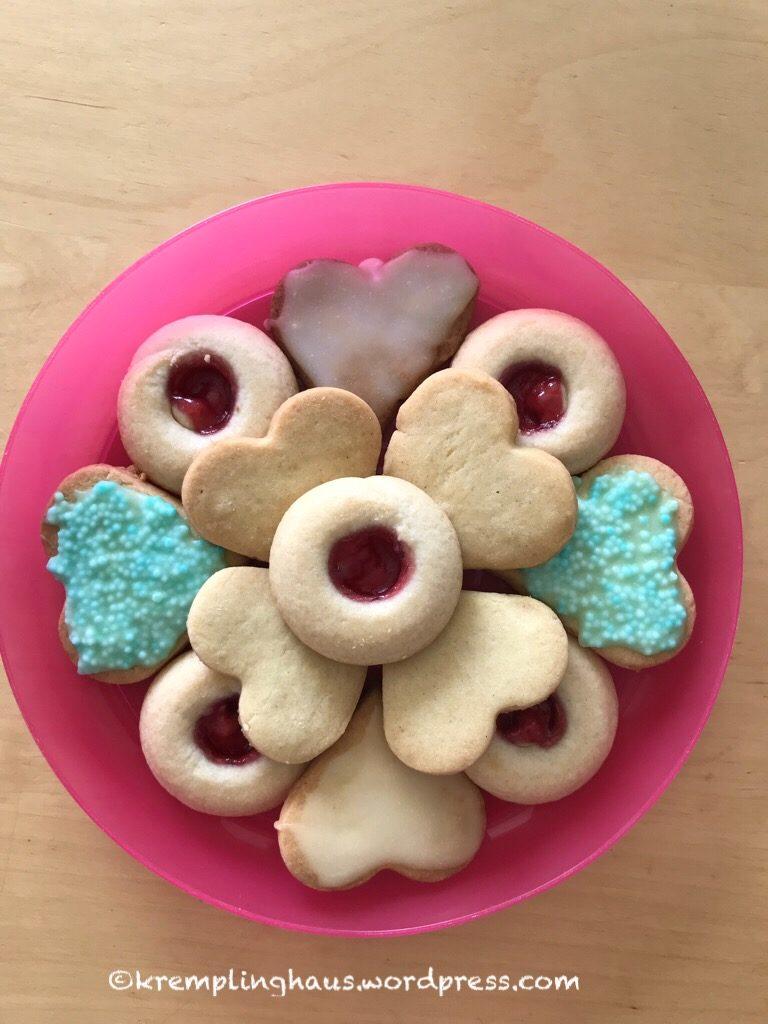 Ein Teller voll Kekse