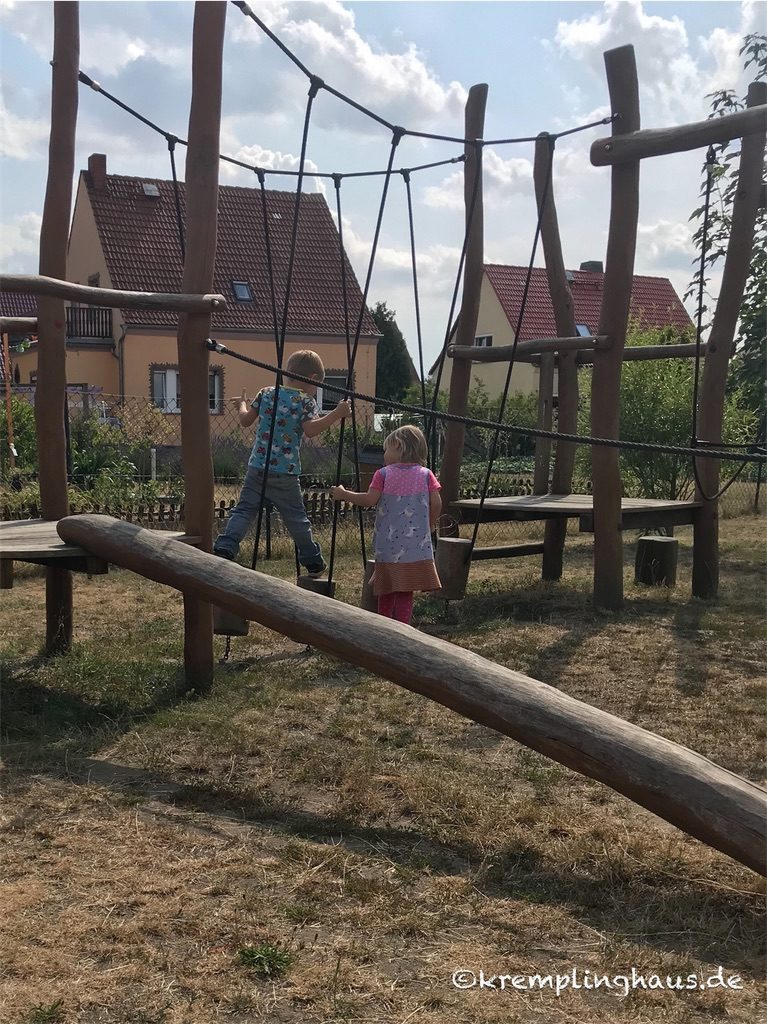 Klettergerüst mit Kindern