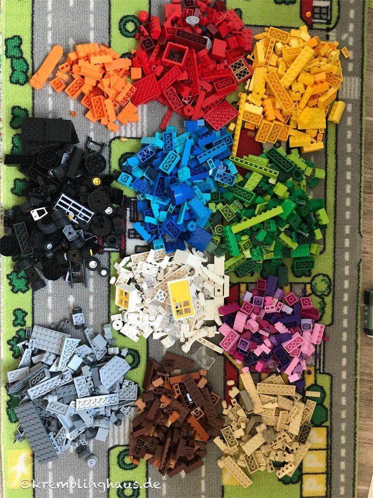 Lego farblich sortiert