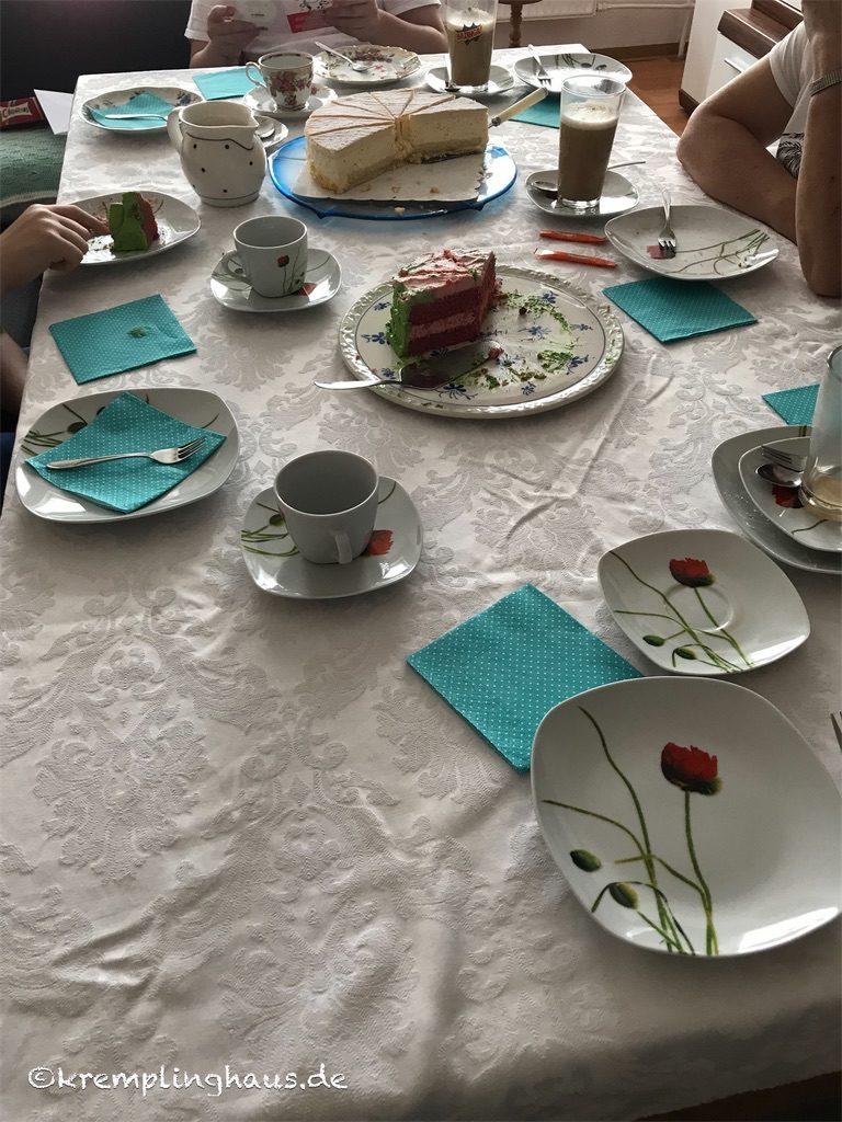 Geburtstags-Kaffeetafel
