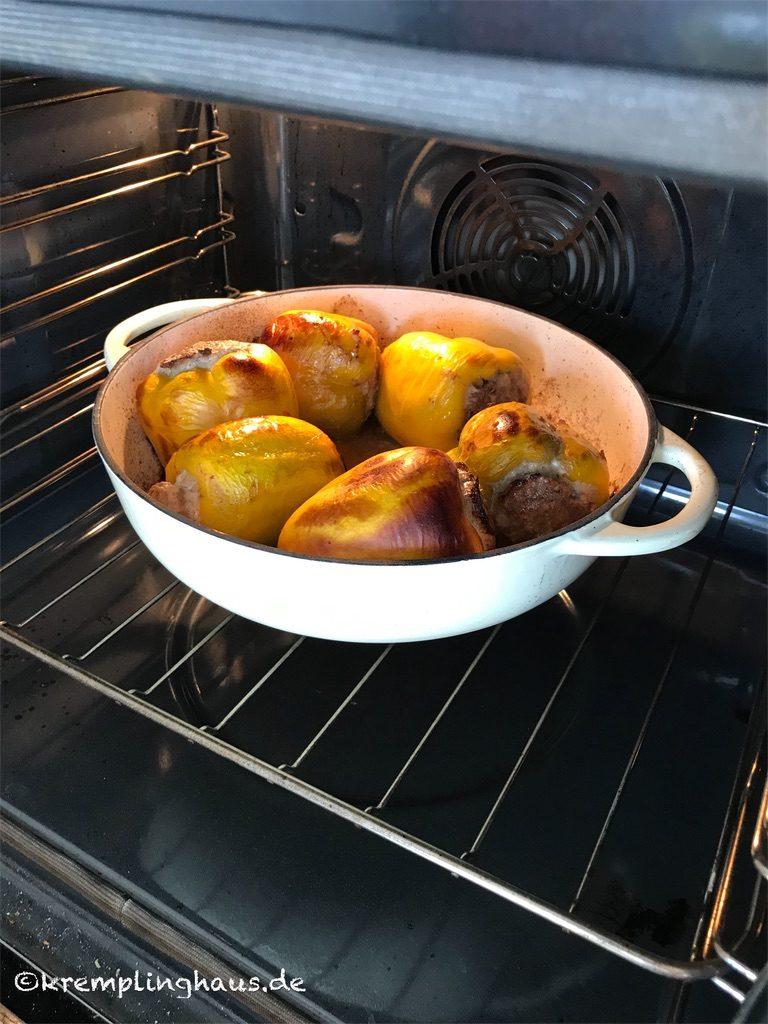 Gefüllte Paprikaschoten im Ofen