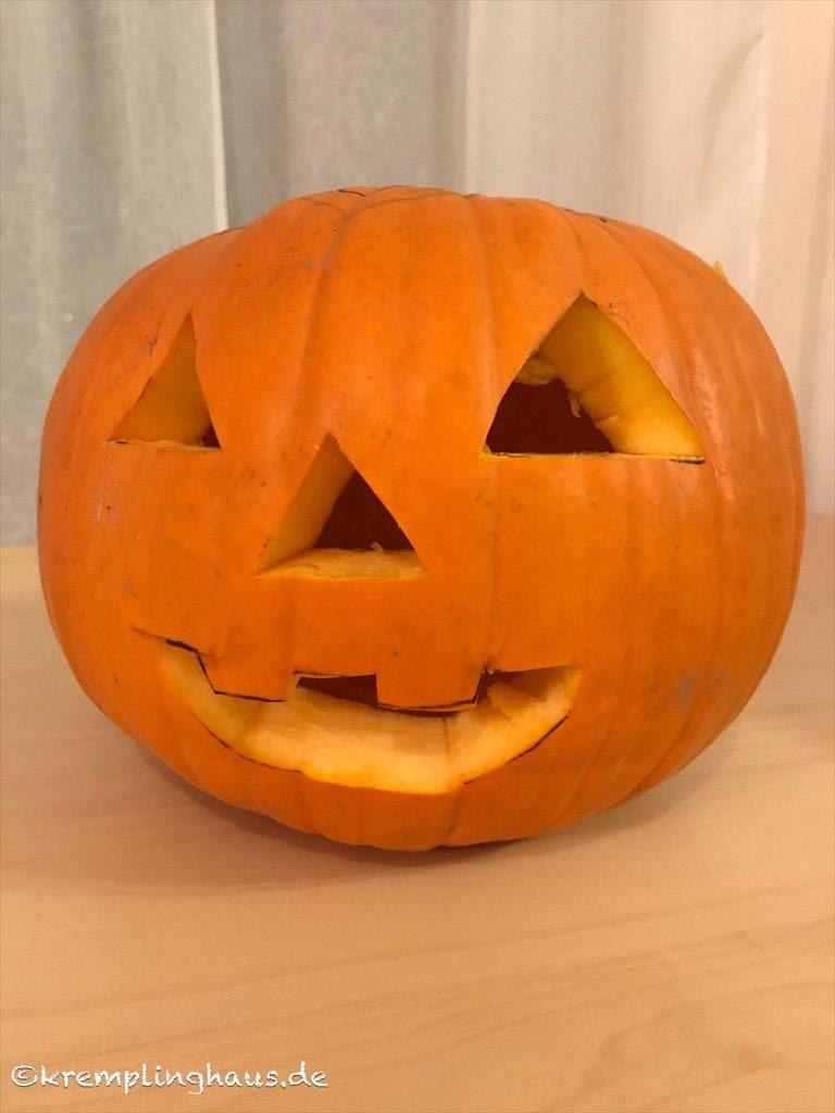 Fertiger Halloween Kürbis