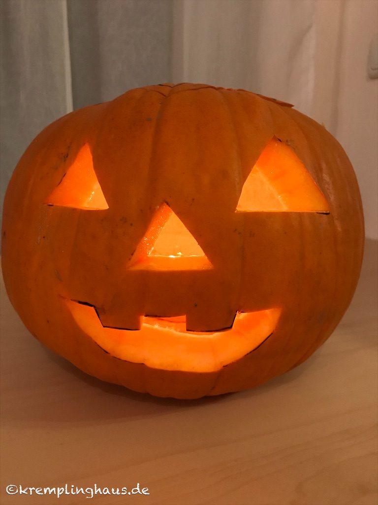 Fertiger Halloween Kürbis mit Licht