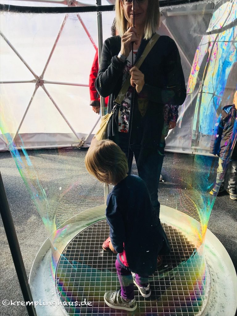 Eingehüllt in eine Seifenblase
