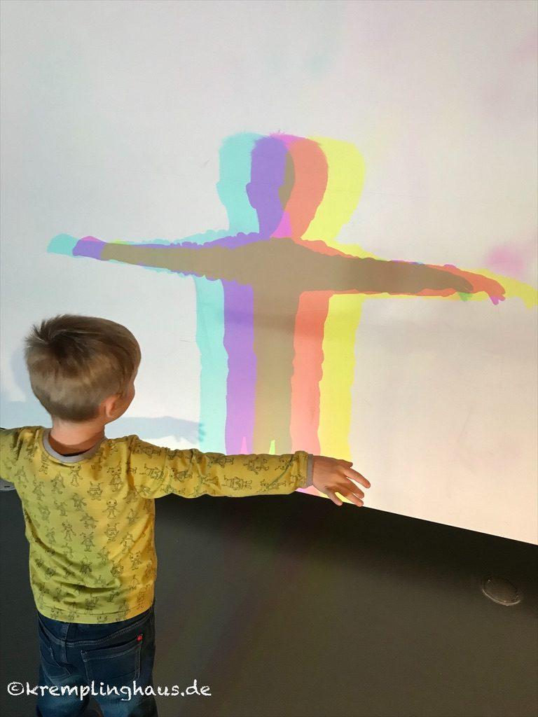 Kind in Farbe