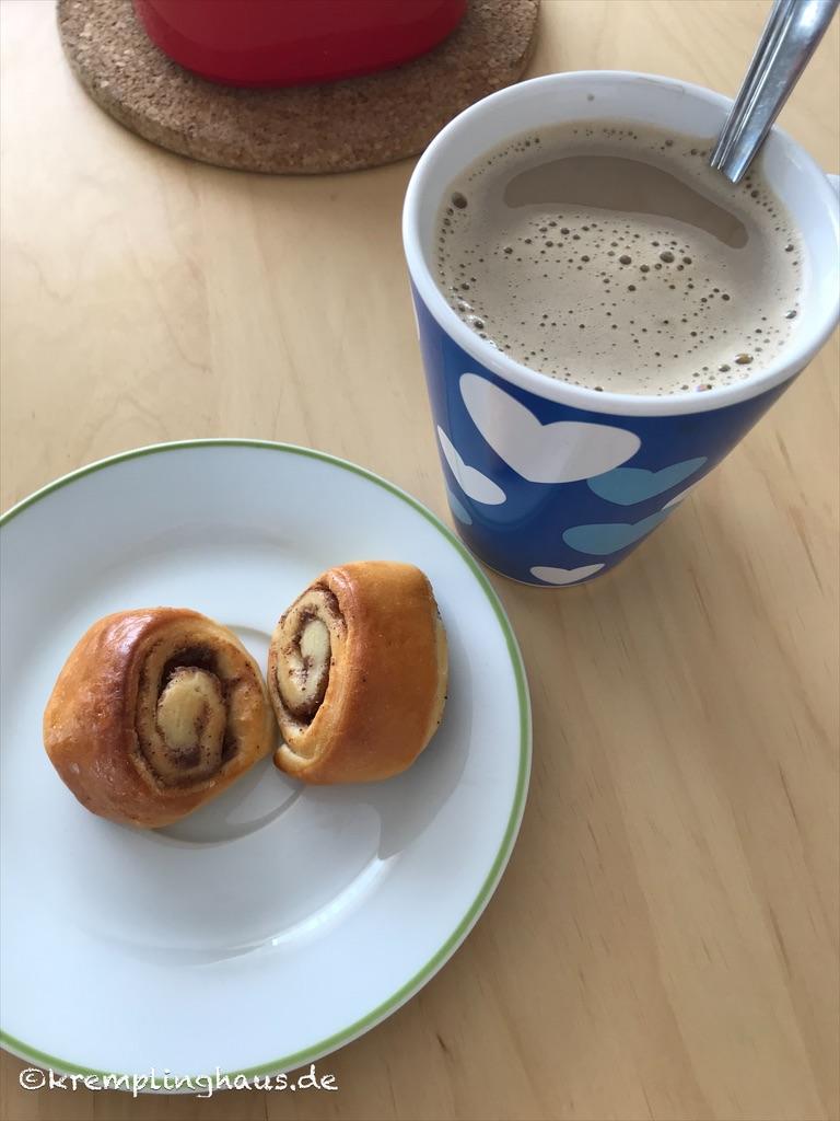 09von12 Kaffee und Zimtschnecken