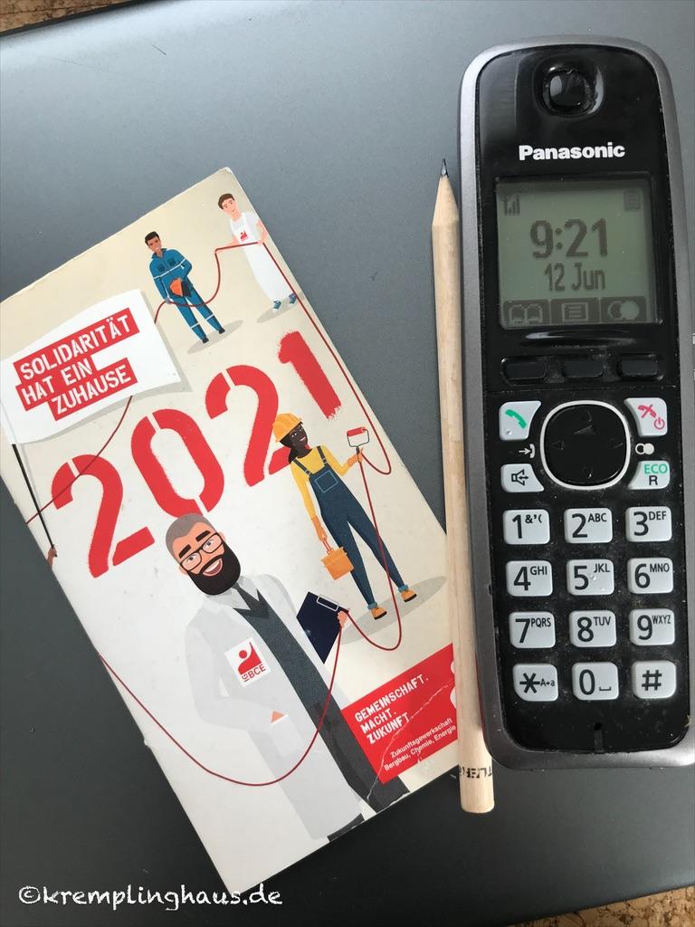 Terminkalender und Telefon
